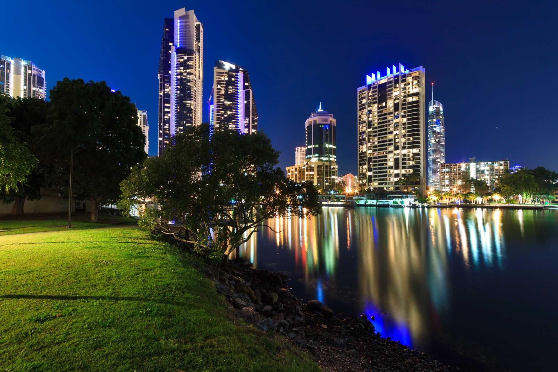 Gold Coast v noci